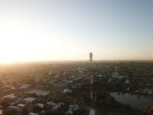 drone ciudad vacia antena