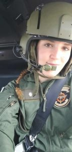 natalia helicoptero casco