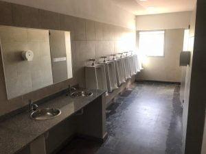 banos escuela