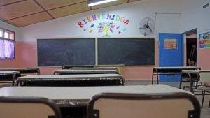 escuela aula vacia